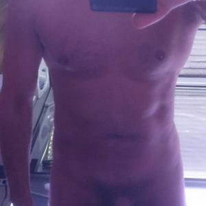 Erotische massage en meer door spannende verzorgde man